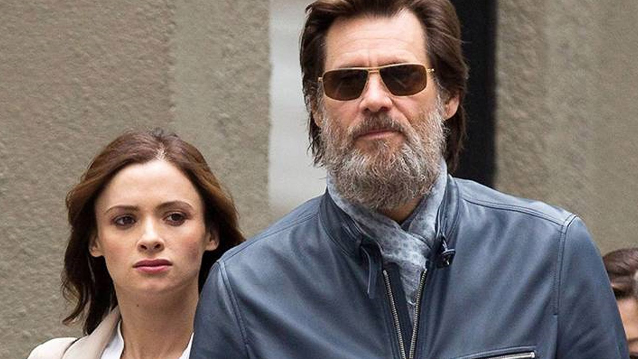 Mother of the late girlfriend Jim Carrey finds him guilty of the death of her daughter 10/12/2016 61