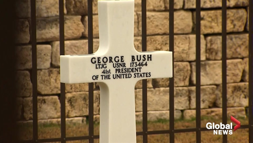 Hundreds Wait To Pay Their Respects As President George H W Bush S
