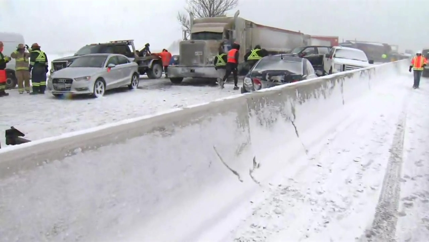 OPP Say Over 70 Vehicles Involved In Pile Up On Hwy 400 Near Barrie