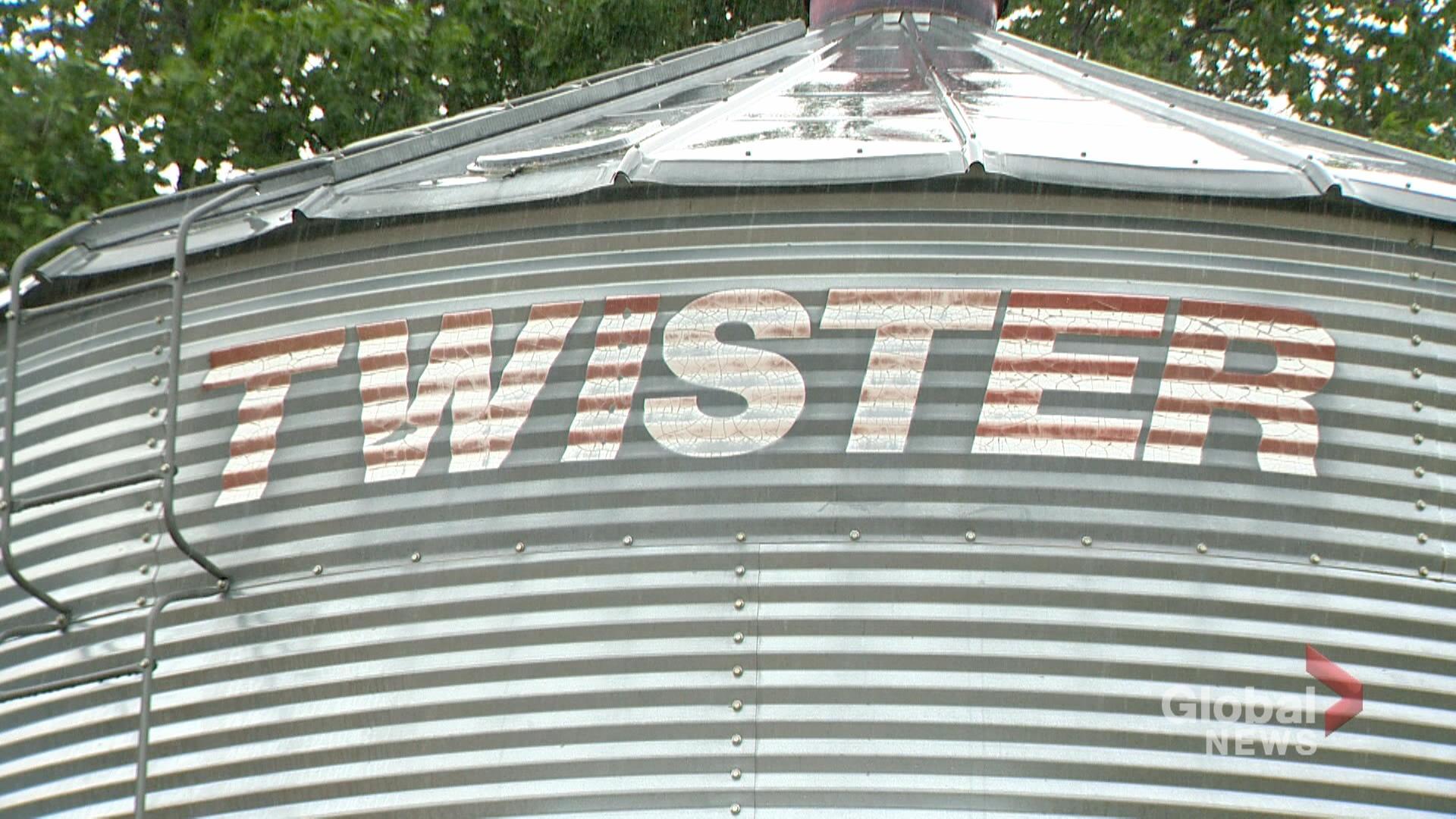 Saskatchewan farming couple turn grain bins into rentable cabins