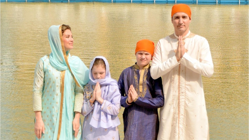 「justin trudeau family picture」の画像検索結果