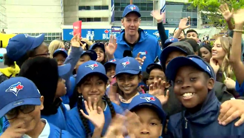 new arrival 08f6b 82272 Students surprised with field trip to see Blue Jays game for Greater Toronto  Day   Watch News Videos Online