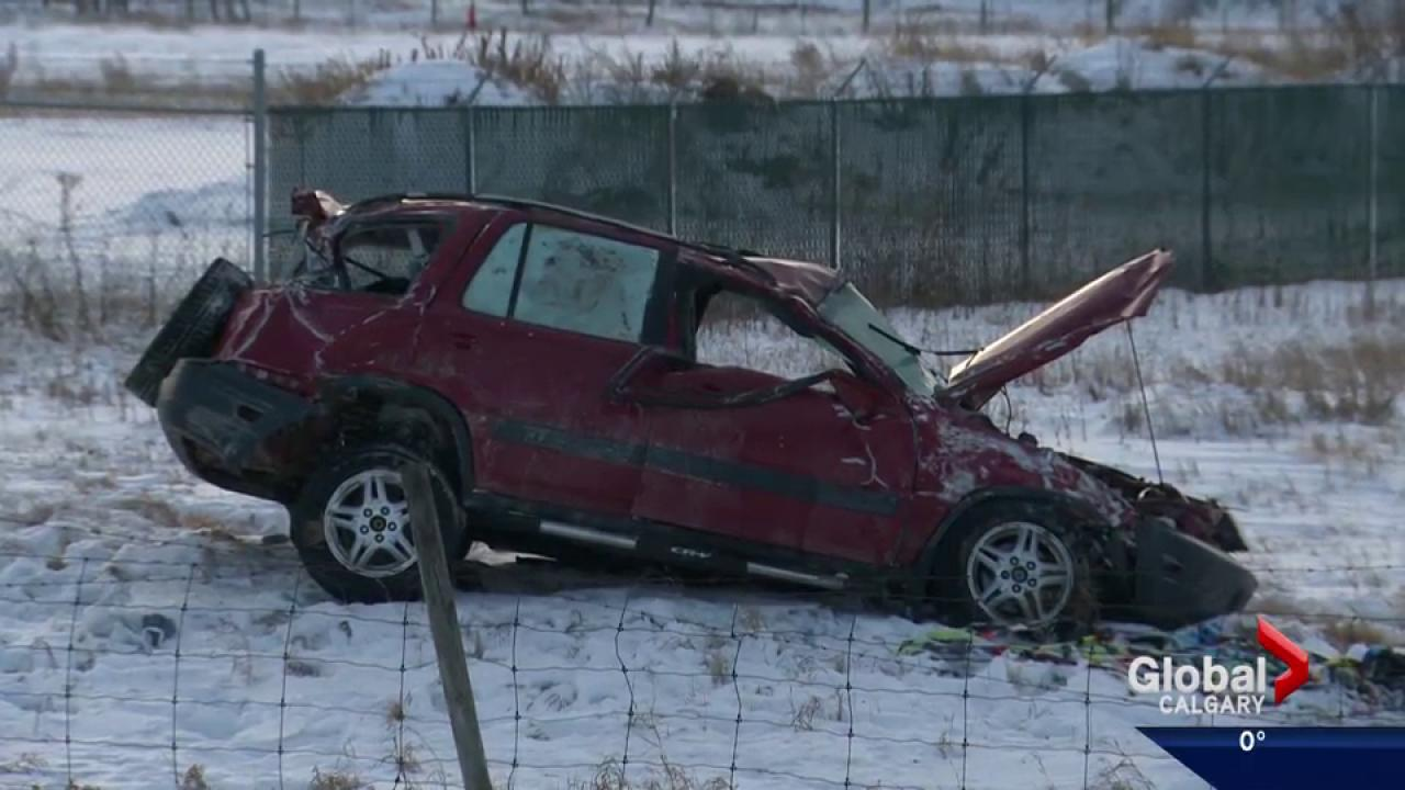 1 dead in crash on Trans-Canada Highway near Strathmore